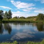 Площадка на пруду - отдых в Калужской области